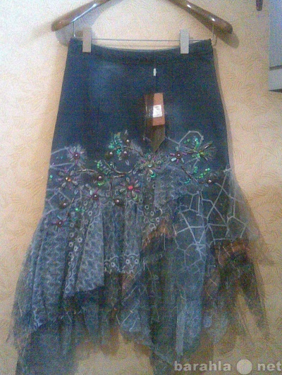 Продам джинсовую новую юбку в Москве.